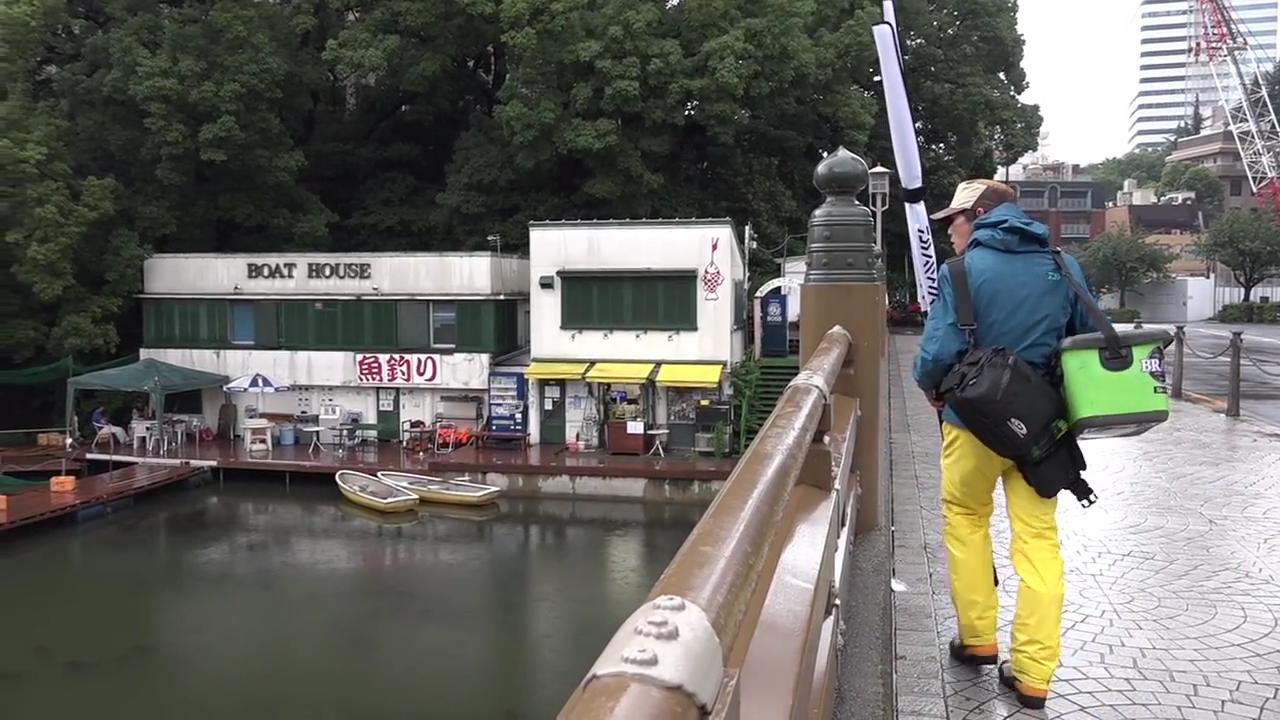 弁慶橋のボートハウスが見えます