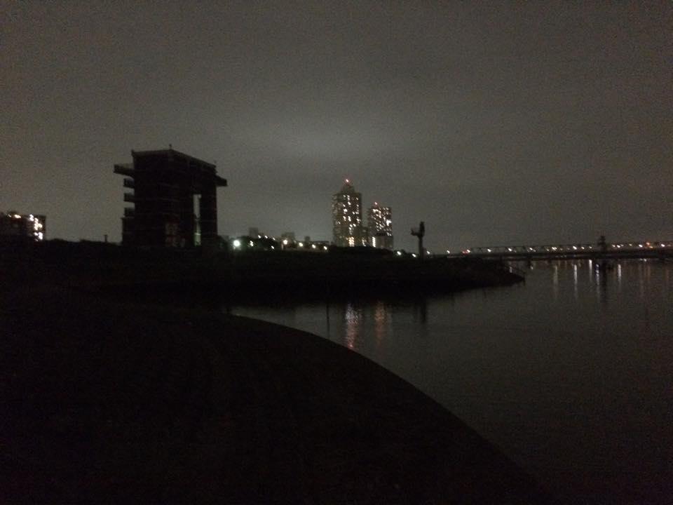 荒川の水門付近